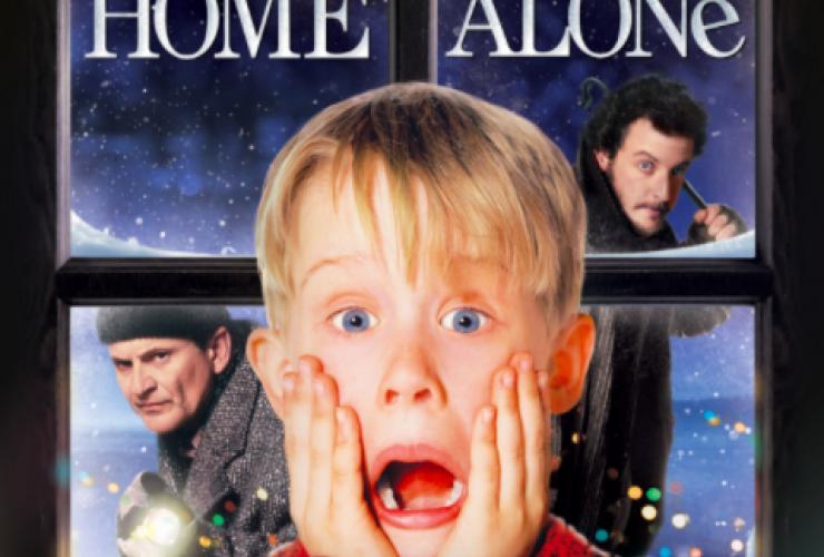 classic christmas eve movie night home alone from 1990 - Home Alone Christmas Movie
